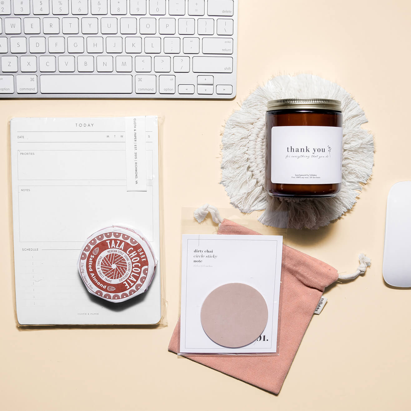 Corporate-Gifting-Desk